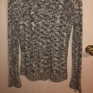Bluenotes white and black knit sweater